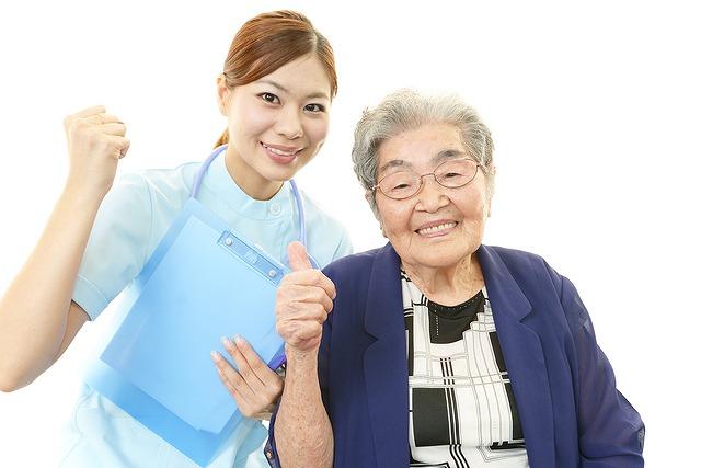 介護の現場で働く看護師