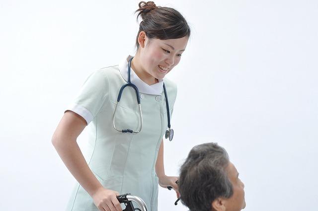 整形外科で働く看護師